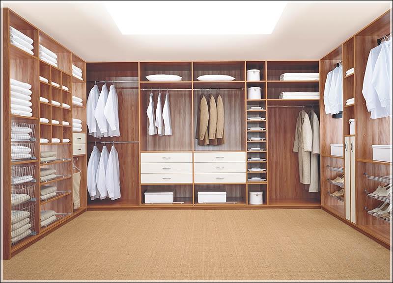 szafa czy pokój na ubrania?