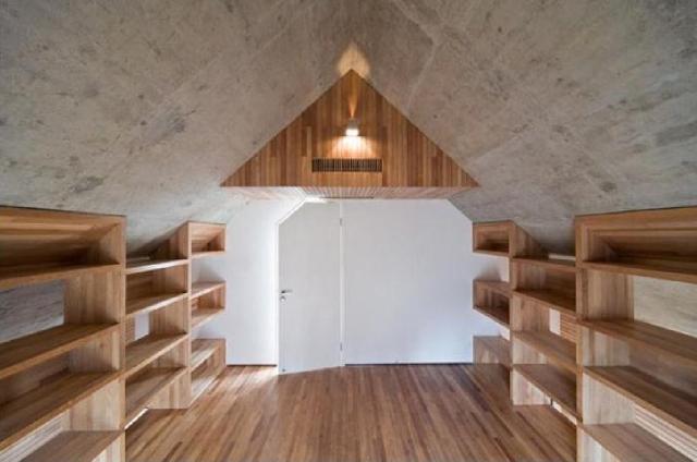 dom z betonu- biblioteka