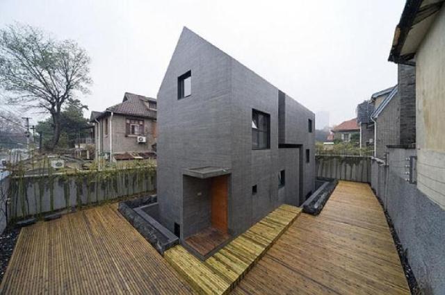 betonowy dom - z ukosa