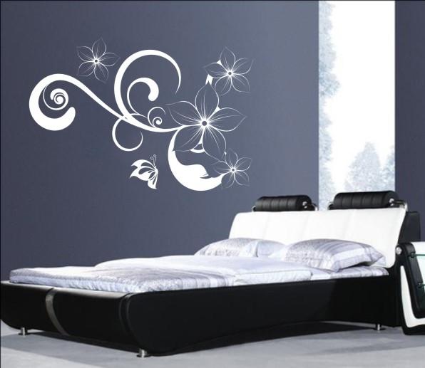 kwiaty w sypialni - naklejka ścienna