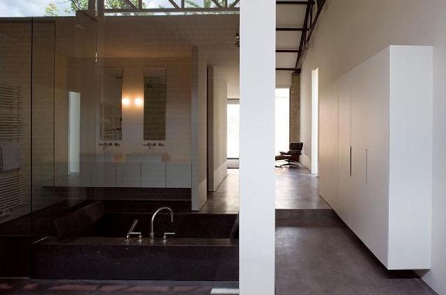 łazienka w lofcie -fot. AABE