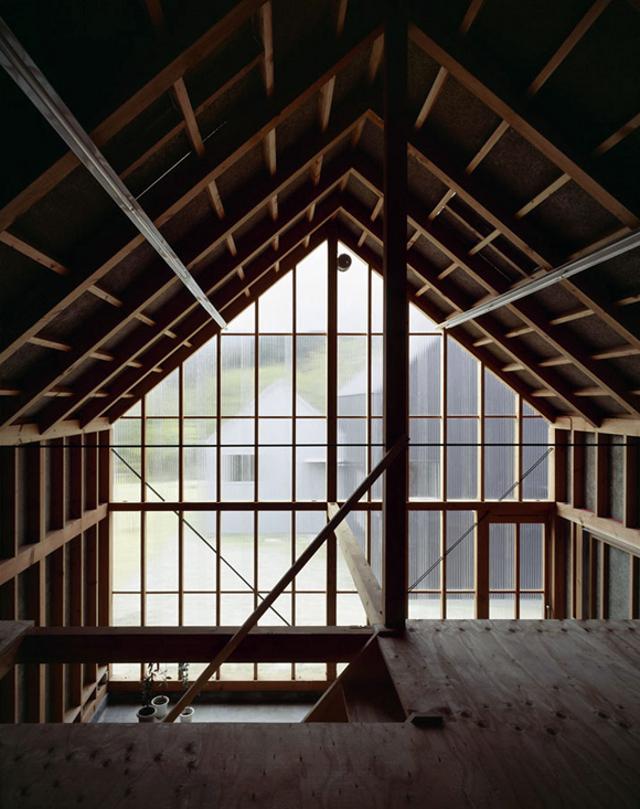 coś na kształt stodoły - fot. You Shimada/Tato Architects