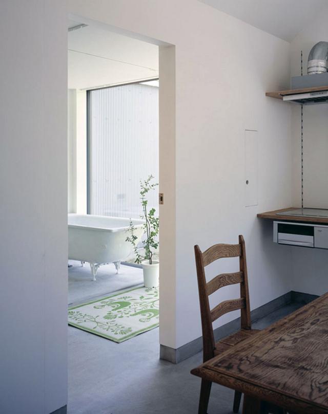 otwarte przestrzenie, zaglądamy do łazienki - fot. You Shimada/Tato Architects