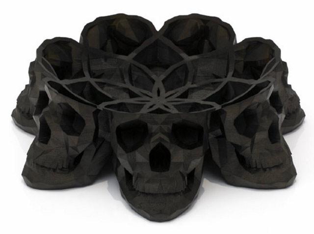 patera z czaszek od Laurenta Massaloux