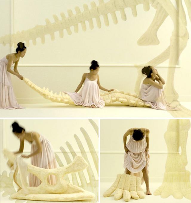 poduszki w kszatłcie szkieletu dinazaura od Sayaka Yamamoto