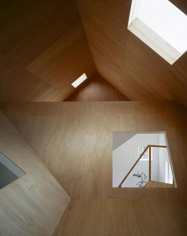 stryszek mozna zaadaptować na przytulny pokój lub sypialnię - fot. You Shimada/Tato Architects