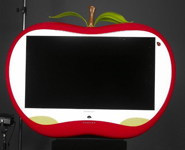 telewizor w jabłkowej obudowie