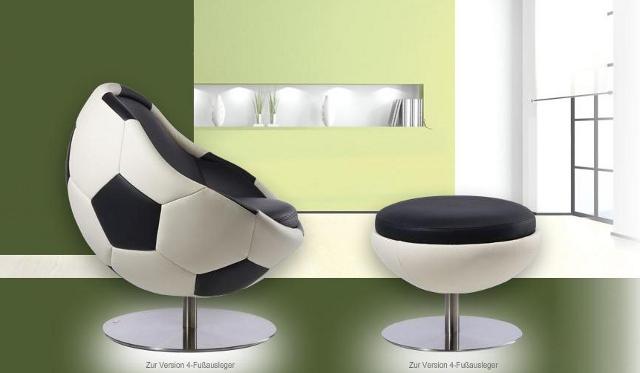 fotel i taboret w kształcie piłki futbolowej - model Hattrick od Paolo Lillus