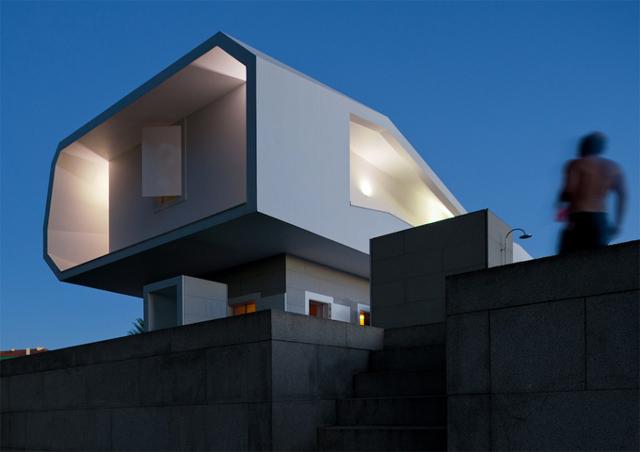 gra świateł w Casa Fez - fot. Fernando Guerra