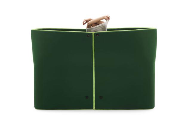 Plastyczna sofa Sosia od Campeggi - podręczna przebieralnia