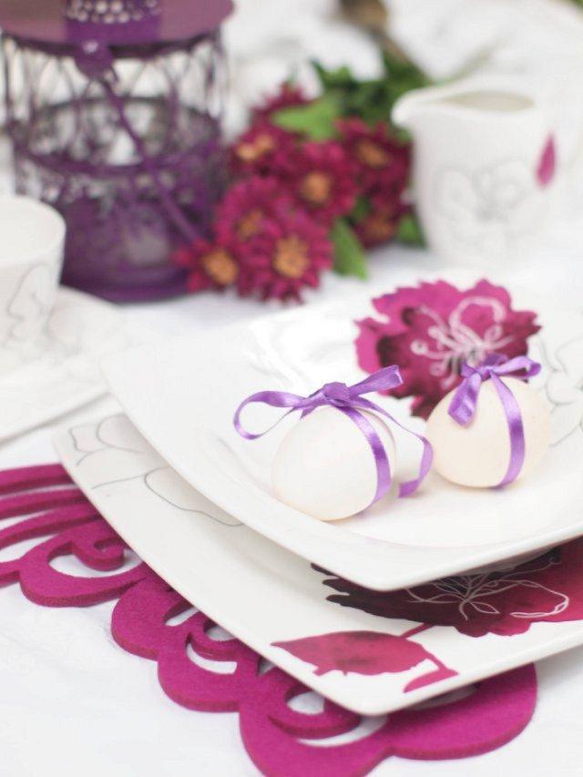 Świąteczny wystrój stołu we fiolecie - fot. kotlet.tv