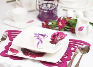 Wielkanocny stół w folecie - fot. kotlet.tv