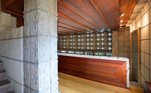 Ażurowa ściana domu z Pasadeny - design by Frank Lloyd Wright