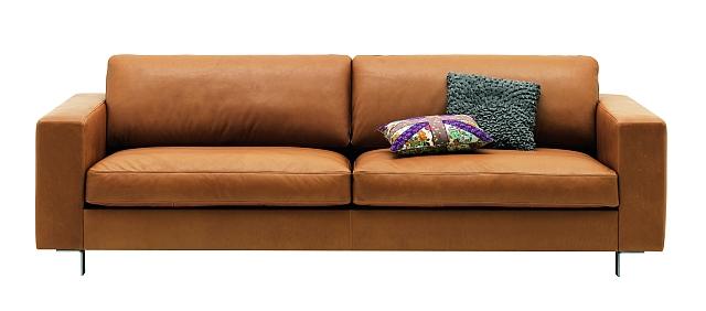 Brązowa sofa Cesto od BoConcept