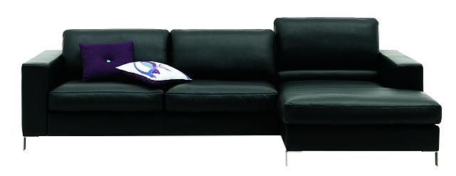 Czarna sofa Cesto z szezlongiem od BoConcept