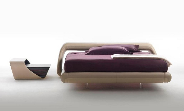 Łóżko z serii Air Lounge (fot. Meritalia)