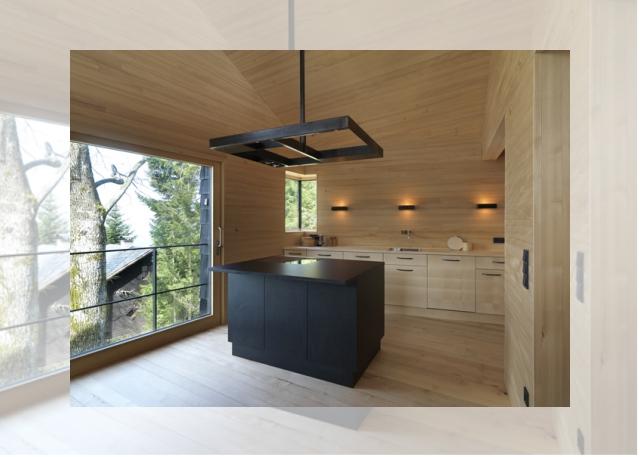 kuchnia cała w drewnie (Ferienhaus Girardi by Philip Lutz)